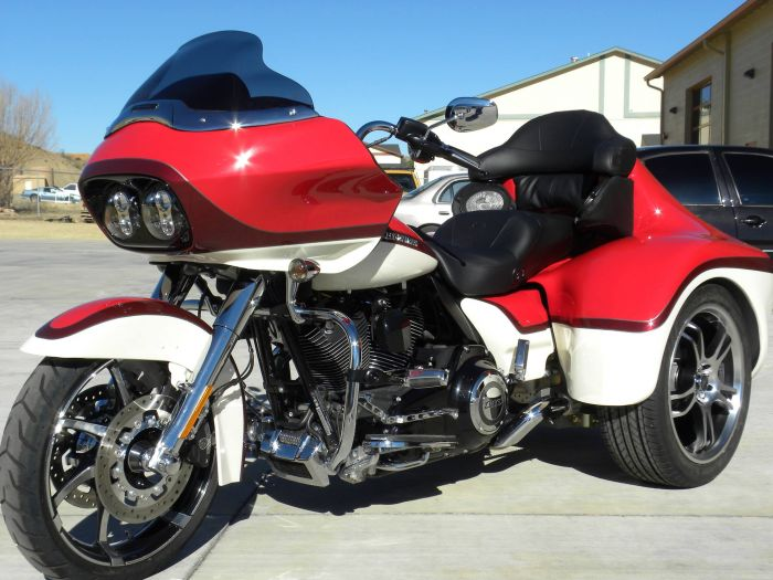 Motorcycle painting at Coyote Customs and Collision repair in Payson Arizona